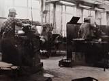 Oto zdjęcia z zakładów pracy w Rawiczu w czasach PRL. Wyjątkowe archiwalne fotografie z m.in. z Gazometu i Modeny! [ZDJĘCIA]