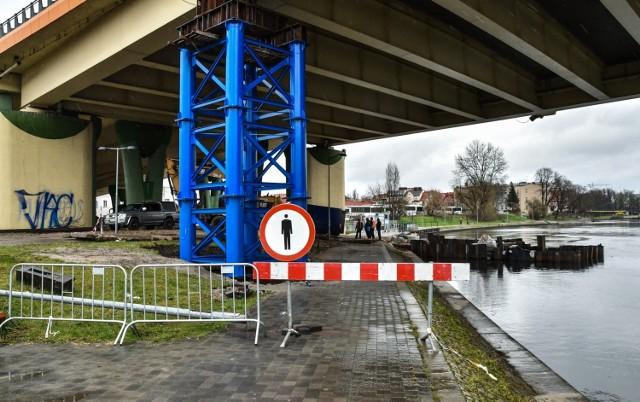 Krajowa Izba Odwoławcza odrzuciła skargę tczewskiej firmy na wyniki przetargu na naprawę Mostu Uniwersyteckiego w Bydgoszczy. Jeśli wszystko dobrze pójdzie, most zostanie otwarty za nieco ponad pół roku.