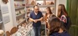 Uczniowie Zespołu Szkół w Nienadowej odwiedzili Muzeum Skamieniałości i Minerałów w Dubiecku [ZDJĘCIA]