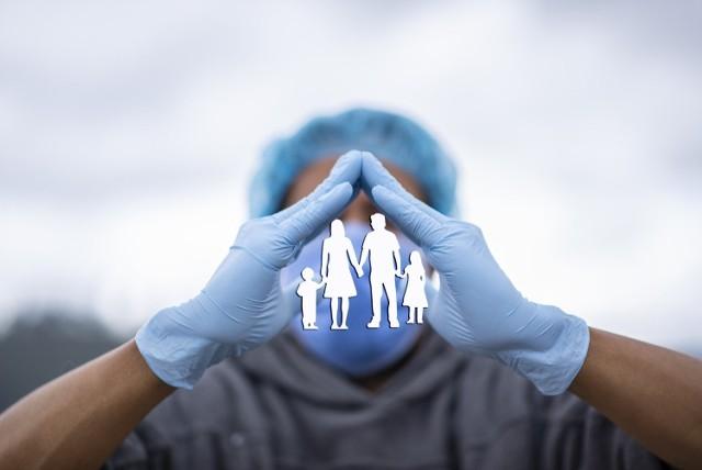 Zapobieganie infekcji koronawirusem jest możliwe tylko za pomocą przestrzegania zasad higieny i unikania bezpośrednich kontaktów międzyludzkich