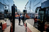 Zmiany w komunikacji miejskiej. Więcej kursów autobusów nr 115, korekty na liniach 156, 164, 111 i N8. Od poniedziałku 23 grudnia