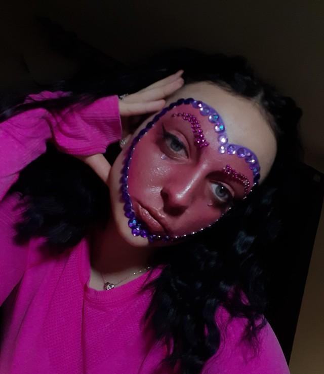 Walentynkowe makijaże uczennic Zespołu Szkół Aktywności Zawodowej w Zduńskiej Woli