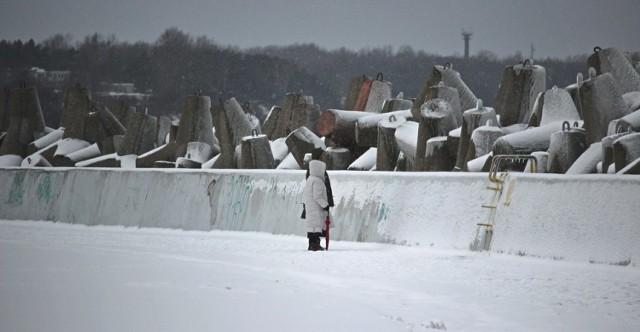 Foto powiat pucki:prawdziwa zima w porcie Władysławowo (luty 2018). Tak wygląda okiem Matki Fotografki