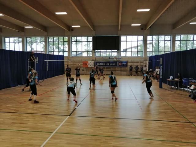 Turniej siatkówki kobiet w Zduńskiej Woli