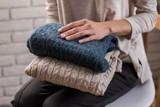 Jak i gdzie przechowywać zimową odzież i obuwie na kolejny rok? Sprawdź zanim schowasz je do szafy