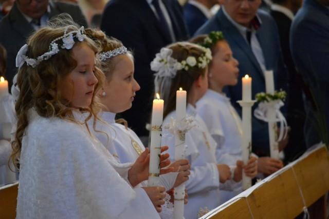 Pierwsza komunia św. w Parafii pw. Matki Bożej Królowej Polski w Człuchowie