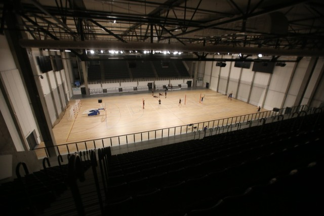Tak wygląda w środku nowa Będzin Arena. Jako pierwsi trenowali tutaj siatkarze będzińskiego MKSu  Zobacz kolejne zdjęcia/plansze. Przesuwaj zdjęcia w prawo - naciśnij strzałkę lub przycisk NASTĘPNE