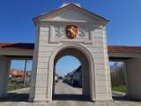 Brama Zasiecka w Brodach, czyli wjazd do miasta, ktore miało być idealne. Miało być...
