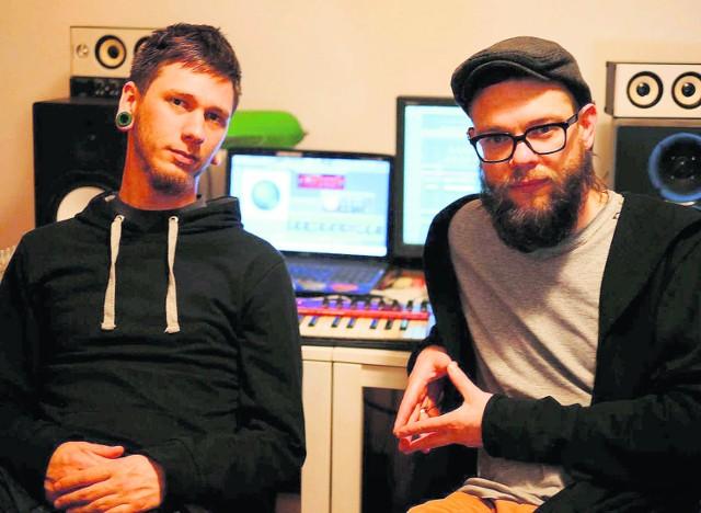 Adam Gowor (z lewej) i Krzysztof Majczuk tworzyli w odmiennych stylistykach. Współpraca zaowocowała ciekawym projektem triphopowym