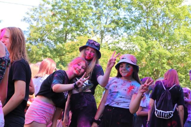 W Chełmnie, nad Jeziorem Starogrodzkim, odbyło się wydarzenie pn. Holi - Święto Kolorów