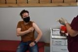 Nowy Tomyśl. Odwiedziliśmy nowotomyski punkt szczepień. Jak idzie praca?