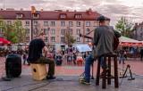Letnie granie na rynku w Bytomiu. W soboty muzyka ożywia bytomską starówkę