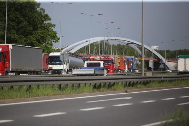 Korki na autostradzie A4 w Katowicach w piątek, 22 maja
