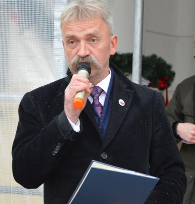 Burmistrz Krzysztof Kaliński ponownie nie zgodził się na propozycję pięciu radnych miejskich z klubu Łowickie.pl dotyczącą sprzedaży mieszkań komunalnych z bonifikatą