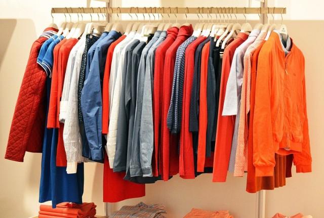 Zbiórka odzieży, która zostanie przeznaczona na licytację, a dochód z nich na pomoc pogorzelcom z Sulinowa koło Żnina.