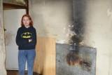 Mieszkańcy Skierniewic ruszyli z pomocą dla samotnej matki. Jej mieszkanie to ruina i zagrożenie
