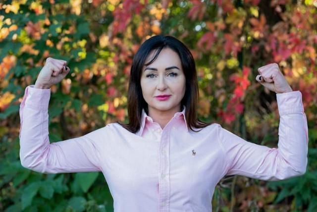 Rada sołecka Kadłubii w słusznej sprawie zapozowała do zdjęć. Bo październik to miesiąc walki z rakiem piersi.