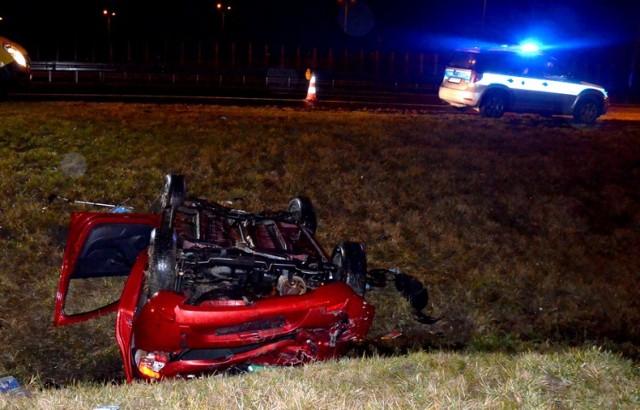 Śmiertelny wypadek na autostradzie A1. Wjechała w barierkę koło Smętowa Granicznego i zginęła na miejscu [zdjęcia]