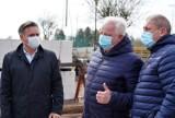 COS OPO Cetniewo buduje nowoczesny internat. W maju budowę odwiedził wiceminister sportu  Jacek Osuch. Będą inwestycje | ZDJĘCIA, WIDEO