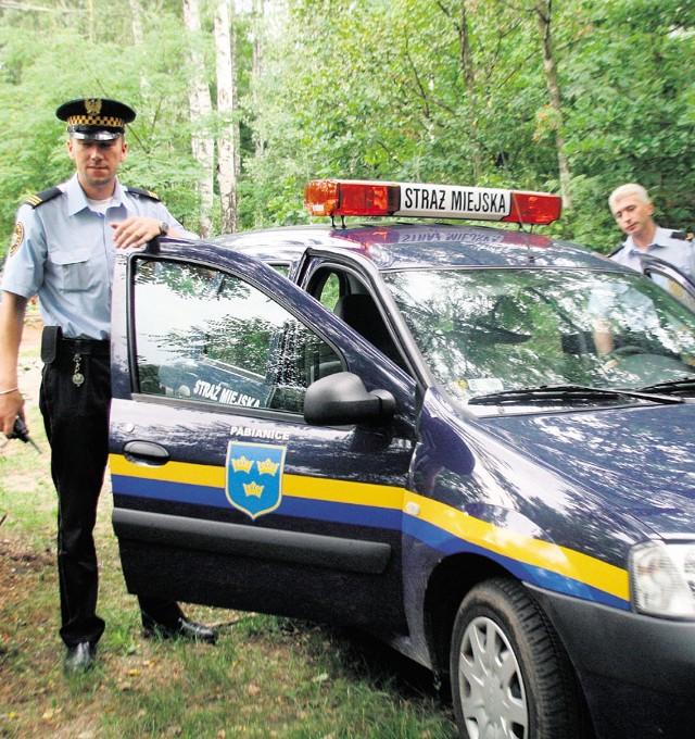 Strażników miejskich z Pabianic krytykuje lewica