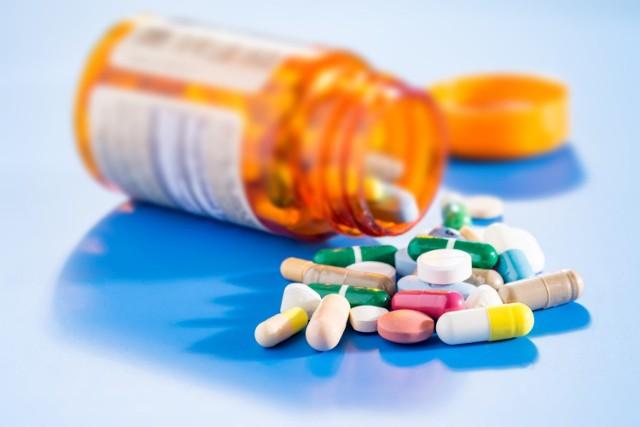 Leki immunosupresyjne stosuje się w przypadku chorób autoimmunologicznych i przeszczepu organów. Obniżają one odporność organizmu.