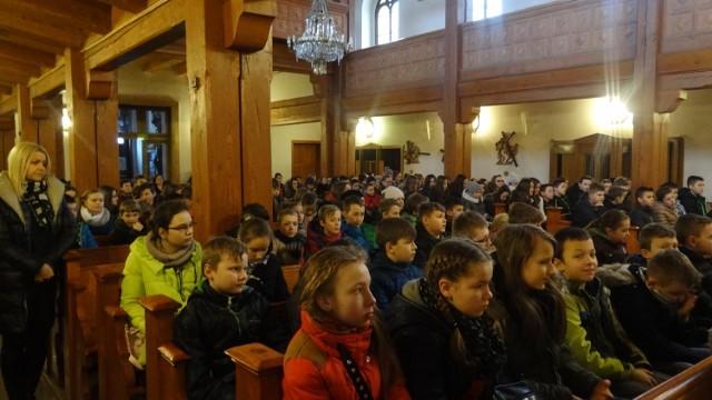 Rekolekcje ZSP nr 3 w Pleszewie w kościele Najświętszego Zbawiciela w Pleszewie