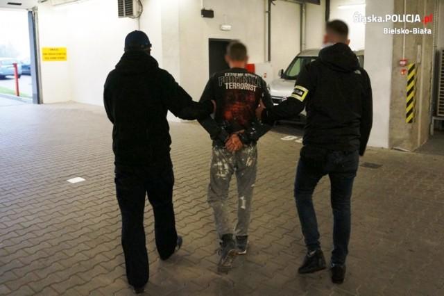 33-letni bielszczanin długo się ukrywał, ale policjantom  udało się go namierzyć i zatrzymać.
