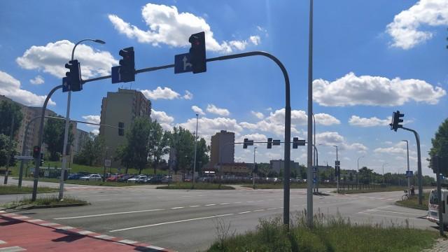 Opole. Drogowcy montują infrastrukturę systemu ITS na skrzyżowaniach. Tutaj sygnalizacja może być wyłączana