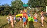 Dzieci w Wierzbicy nie nudzą się podczas wakacji. Zobacz zdjęcia