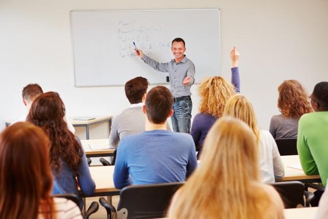 Egzaminy wstępne mogą być dobrym sposobem sprawdzenia specjalistycznej wiedzy, ale droga do nich daleka