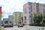 Elewacje trzech bloków Łowickiej Spółdzielni Mieszkaniowej są odnawione