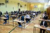 Ważne zmiany na maturze i egzaminie ósmoklasisty. Egzaminy mają wyglądać w tym roku szkolnym inaczej niż wcześniej