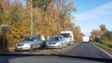 Wypadek w Pucku: na ul. Helskiej (na wysokości stacji Shell) zderzyły się trzy samochody osobowe | ZDJĘCIA, NADMORSKA KRONIKA POLICYJNA