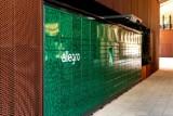 Allegro stawia własną sieć automatów paczkowych zasilanych zieloną energią. Pierwszy w Poznaniu stanął na Nowym Rynku. Zobacz, jak wygląda