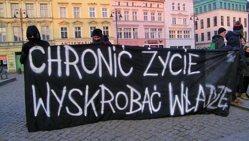 Bydgoszcz przeciwko rasizmowi! Mieszkańcy protestowali na Starym Rynku [zdjęcia, wideo]