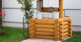 Studnie drewniane coraz chętniej wybieranymi dekoracjami do ogrodu