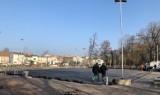 Lodowisko w Lublińcu. Trwają przygotowania do uruchomienia. Jeżeli rząd nie wprowadzi zakazów, lodowisko ruszy już 6 grudnia