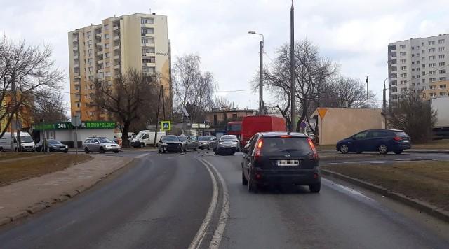 Nieustąpienie pierwszeństwa było przyczyną wypadku na skrzyżowaniu ulic Bielickiej i Inowrocławskiej w Bydgoszczy.