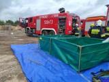 Gm. Kaźmierz. Strażacy interweniowali w związku z pożarem składowiska odpadów. Ale spokojnie... to tylko ćwiczenia!