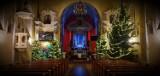 Bożonarodzeniowy wystrój kościoła w Szymanowicach