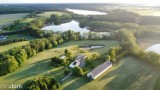 Malowniczo położona posiadłość między dwoma jeziorami pod Wągrowcem wystawione na sprzedaż za ponad 2 miliony złotych