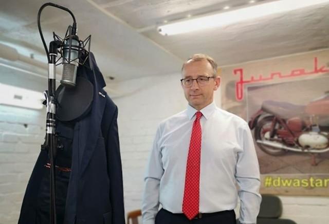 Burmistrz Marek Cebula wziął udział w #Hot16Challenge2. Jak wypadł?