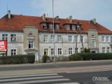 Mamy XXI wiek, a Miejski Zakład Gospodarki Mieszkaniowej buduje łazienki budynkach w Ostrowie Wielkopolskim