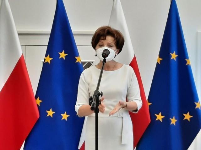 O zmianach w sposobie składania wniosków o 300 plus mówiła w Poznaniu szefowa resortu rodziny Marlena Maląg