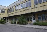 Ten budynek w Skierniewicach znali wszyscy. Dawny budynek urzędu skarbowego przeszedł do historii...