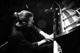 """Piękna muzyka zabrzmi nad Odrą! Recital fortepianowy """"Zanim nadejdzie noc"""" Daniela Grupy na Przystani Tu w Cigacicach"""