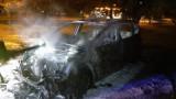 Konin. Nocny pożar samochodu na ul. Wieniawskiego. Na parkingu spłonął samochód marki Peugeot