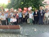 Kampania Andrzeja Dudy w Lublińcu. Na rynku przemawiali wiceminister z posłem