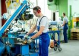 Znane firmy w Toruniu szukają pracowników! Oto konkretne oferty. TZMO, Neuca, Goldbeck, Polser i inni (sierpień 2021)