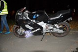 Chełm. Groźny wypadek z udziałem motocyklisty. 36-latek uderzył w barierę na remontowanej drodze